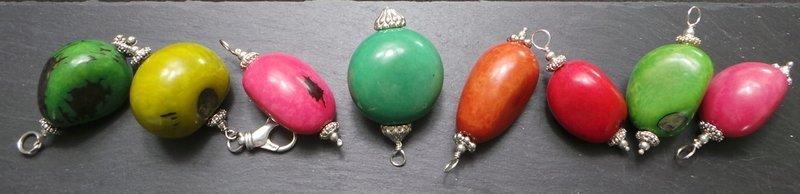 Tagua-Nüsse zu Anhängern mit 925 Sterling Silber verarbeitet, Hingucker, Steinnuss, bunte Vielfalt