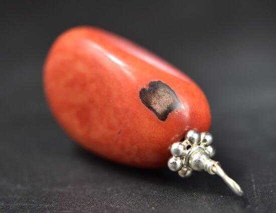 tagua-nuss-stein-nuss-individuell-anhaenger-unikat-schmuck