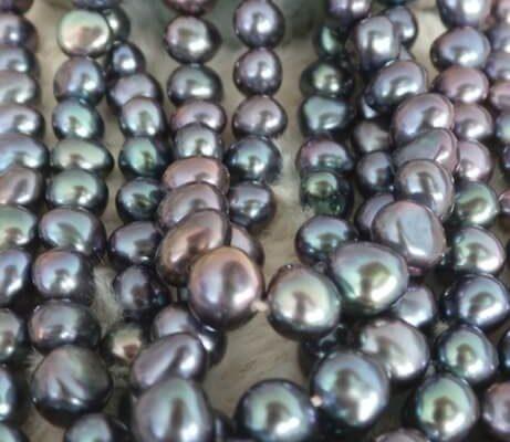 perlenknuepfen-knuepfkurs-eigene-perlenkette-herstellen-schmuck-kurse-unikatschmuck