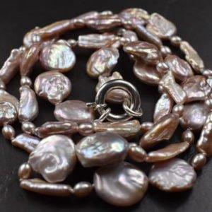 perlenkette-lange-perlenkette-rund-und-lang-unikat-schmucktraum-schmuckunikat-silber
