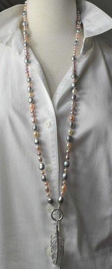 pelenkette-lang-grau-beige-rose-unikat-schmuckstueck-unikatschmuck-925sterlingsilber